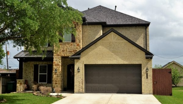 Quel budget pour remplacer une porte de garage ?